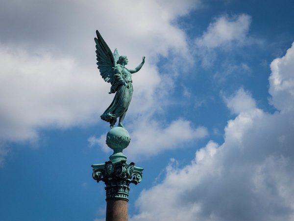 Keddi angyalüzenet: megérzés